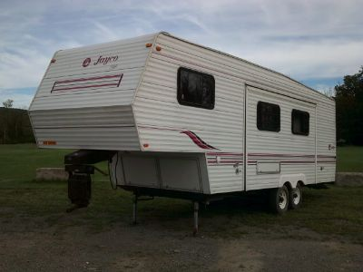 1997 JAYCO EAGLE 29' FIFTH WHEEL CAMPER.
