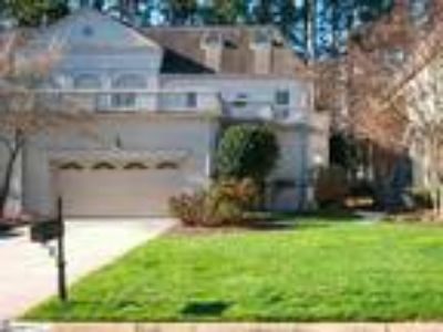 Lovely luxury town home, European style in Ch...