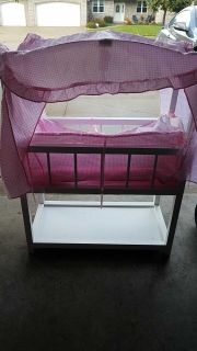 Excellent condition doll bassinet