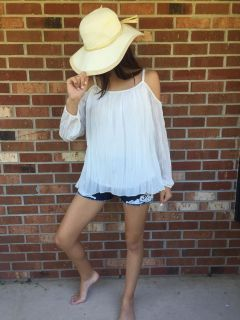 NWT sexy cold shoulder white pleated top sz sm
