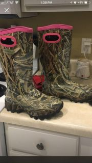Camo and pink Weather Resistant Boots