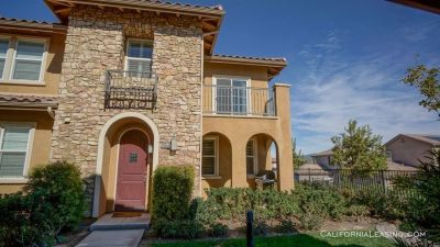 Coming Soon! Esperto Townhome for Rent in Valencia!