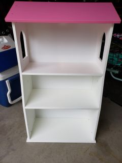 Dollhouse style bookcase PICK UP ONLY