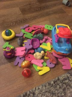 Tons of toddler-baby bath toys