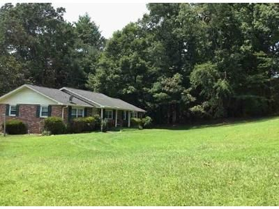 3 Bed 2 Bath Foreclosure Property in Pickens, SC 29671 - Casey Dr