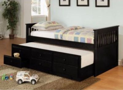 Black trundle daybed w storage