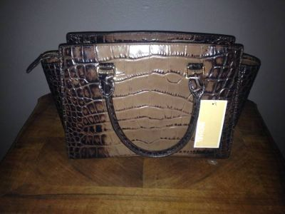 BRAND NEW - DROP DEAD GORGEOUS MICHAEL KORS SELMA HANDBAG