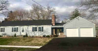 2 Lawrence Dr Hackettstown, Beautiful, renovated Three BR