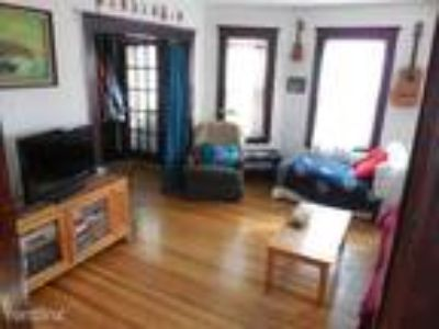 Boston - Jamaica Plain, Two BR, One BA, livingroom, kitchen