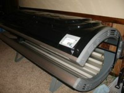 solar storm 16R tanning bed