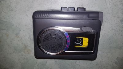 Vintage / Retro Panasonic walkman type Cassette Player with recording, built-in speaker, works fine