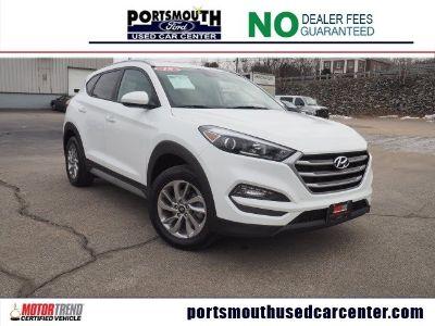 2018 Hyundai Tucson and (Dazzling White)