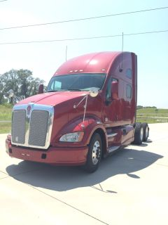 2013 Kenworth T700 - Cummins - 13 Speed