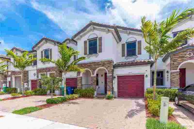 11532 SW 254th St 11532 Homestead Three BR, 1 1/2yr old Townhome