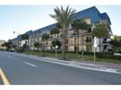 Excellent Location Close to Everything,Shoping,Restaurants,Nightlife.