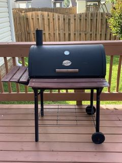 Chargriller smoker/charcoal grill