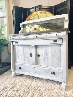 Beautiful vintage Farmhouse Buffet Circa 1920