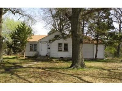 3 Bed 1 Bath Foreclosure Property in Muskogee, OK 74401 - N 34th St