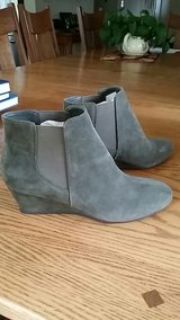 nine west suede ankle boots New size 9