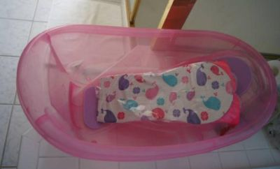 Tub with infant sling