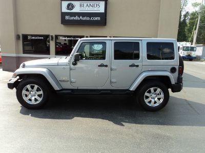 2013 Jeep Wrangler Unlimited Sahara (Billet Metallic Clearcoat)