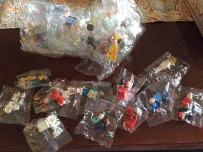 New Loengt Mini Figure ( Like LEGO) Party Pack *40 Count*