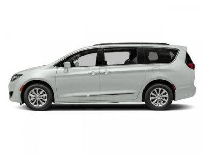 2018 Chrysler Town & Country Touring (Bright White Clearcoat)