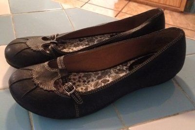 REDUCED!! size 8 flats