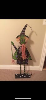 Free standing Halloween witch