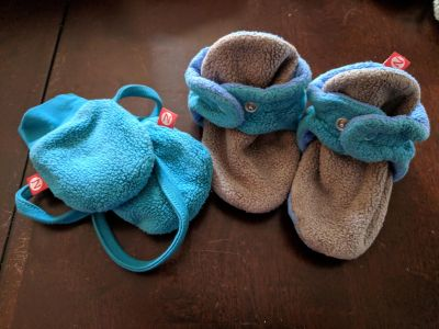 Zuntano Slippers and Mittens