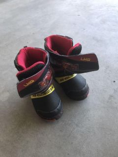Toddler size 7/8 lightning mcqueen snow boots.
