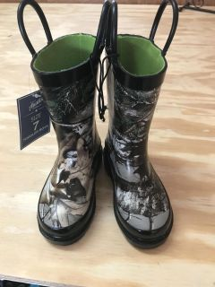NWT Austin Trading Co. Camo Boots, Toddler Size 7, ASKING $10