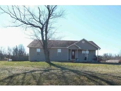 3 Bed 2.5 Bath Foreclosure Property in Arab, AL 35016 - County Road 1870