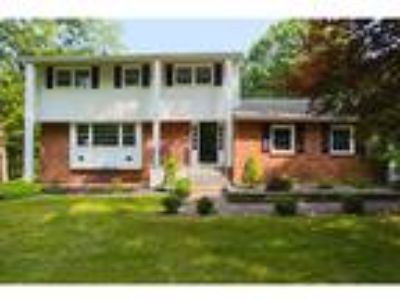 Four BR/2.One BA Single Family Home (Detached) in Hopewell Junction, NY