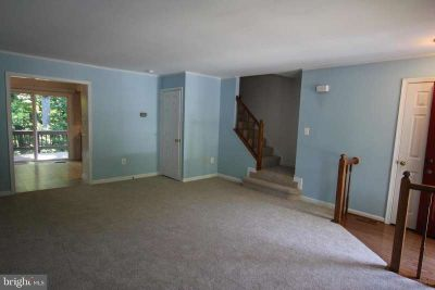4235 Jonathan CT DUMFRIES, Great townhouse in desirable