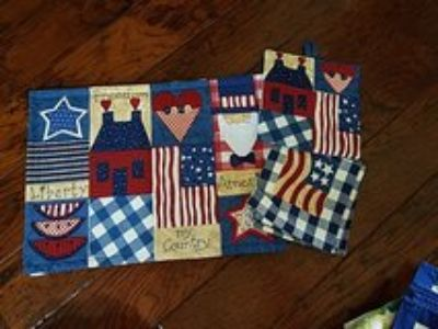 4- 4th of July placemats with extras