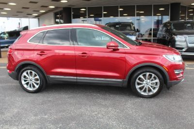 2015 Lincoln MKC Base (Ruby Red Metallic Tinted Clearcoat - Red)