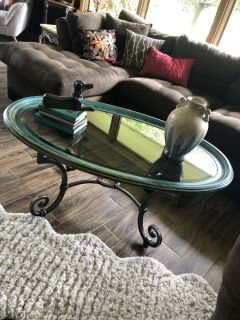 Coffee table. 30x50x21 tall. Cross posted. Great price.. in town for a few weeks.. now is the time
