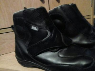 $35 OBO tour master motorcyce boots size 9