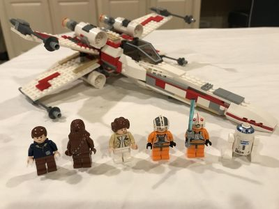 LEGO Star Wars X-Wing Fighter set - includes all pieces and minifigures