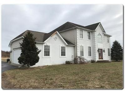 4 Bed 2.1 Bath Foreclosure Property in Hammonton, NJ 08037 - White Horse Pike