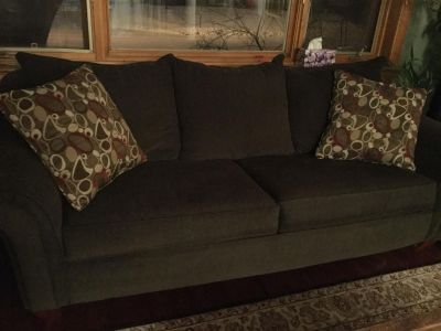 Sofa / Queen-sized hide-a-bed