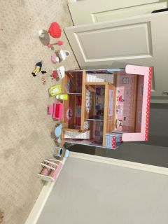 Kidkraft doll house and accessories