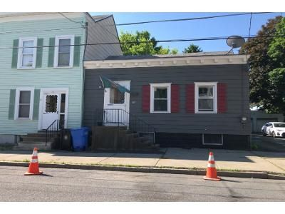 2 Bed 1 Bath Preforeclosure Property in Albany, NY 12209 - Garden St