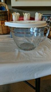 Pampered Chef glass mixing measuring Bowl
