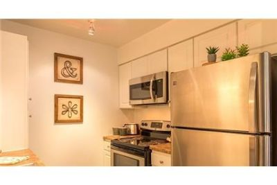 3 bedrooms - Come experience the lifestyle you Hill Apartment Homes in ont, Illinois.