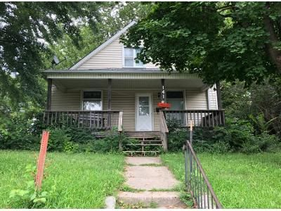 3 Bed 1 Bath Preforeclosure Property in Sioux City, IA 51105 - Court St