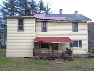 4 Bed 1 Bath Foreclosure Property in Tidioute, PA 16351 - Grant St