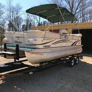 Pontoon Boat, 2004 Model Odyssey 2102 Millennilim