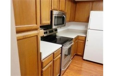 2 bedrooms Apartment - Lots of UPGRADES - 2nd floor unit.